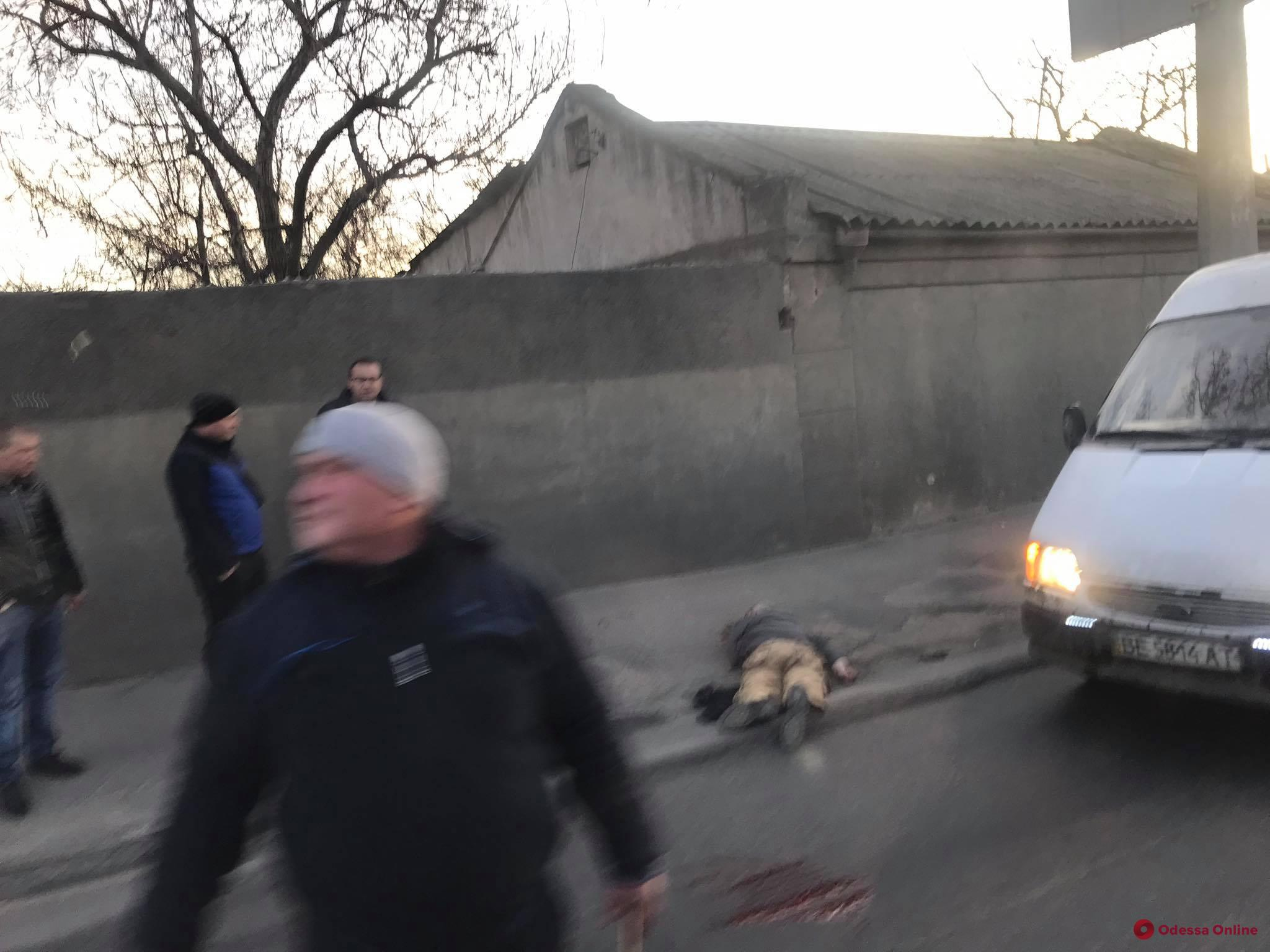 НаМихаила Грушевского автомобиль сбил пешехода – виновник скрылся (фото)