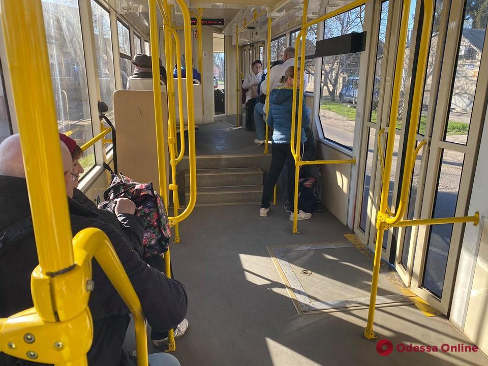 В Одессе патрульные будут следить за количеством пассажиров в трамваях, троллейбусах и маршрутках
