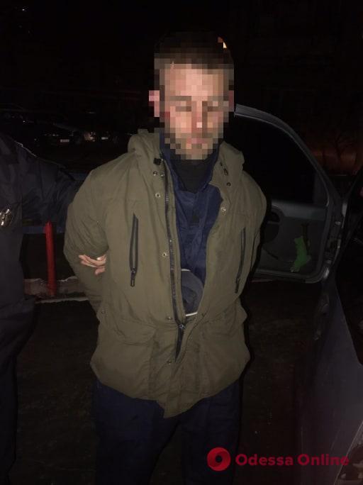 В Одессе с погоней и стрельбой ловили неадекватного водителя (видео)