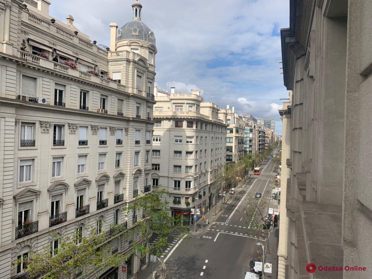 Карантин в Барселоне: горожане больше беспокоятся об экономической ситуации, чем о вирусе