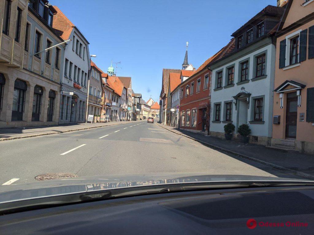 Карантин в Германии: строго, но без масок в Эрфурте, обилие мяса в Бад-Штаффельштайне