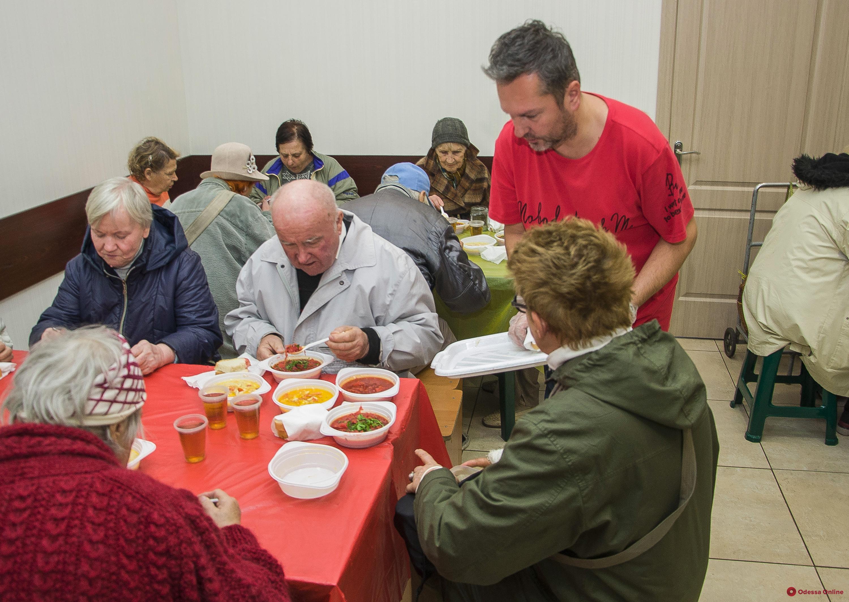 В Одессе закрывают на карантин социальные столовые для одиноких пожилых людей
