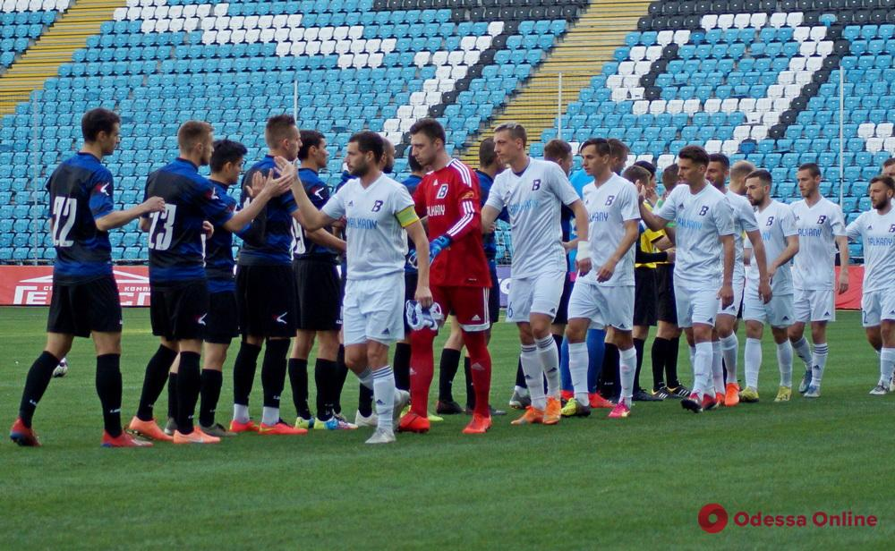 «Черноморец» и «Балканы» ушли на карантин: чемпионат Украины приостановлен