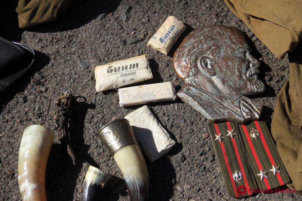 От ящериц и попугайчиков до антиквариата: бурлящая жизнь одесской «Староконки» (фоторепортаж)