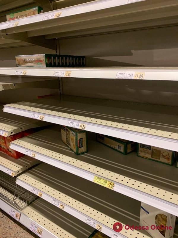 Карантин в Вирджинии: послушные граждане, запрет на работу и специальный график для пенсионеров в магазинах