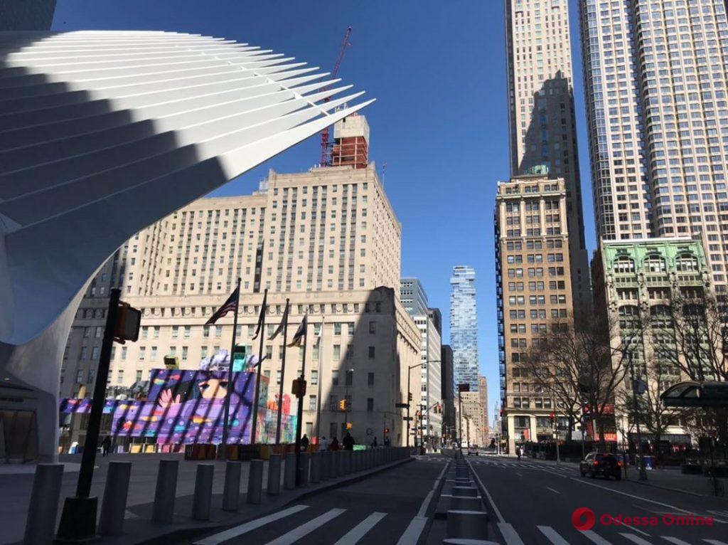 Карантин в Нью-Йорке: масштабное закрытие заведений, устрашающая пустота и онлайн-обучение