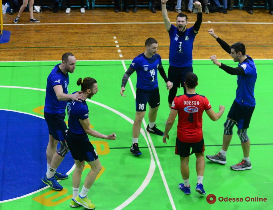Волейбол: одесситы ушли на карантин в ранге лидеров турнирной таблицы высшей лиги
