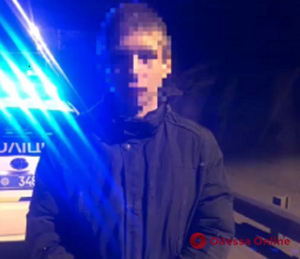 На Молдаванке 15-летний подросток угнал авто ради «покатушек» (видео)