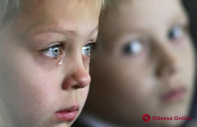 В Одесской области горе-мать бросила детей одних дома на три дня