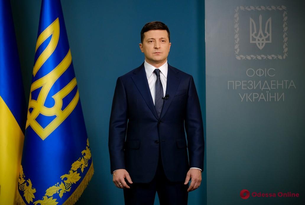 Зеленский призвал Кабмин запретить междугородние и межобластные пассажирские перевозки