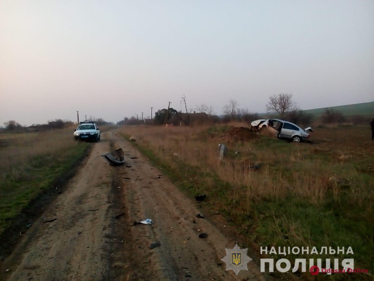 В Одесской области Volkswagen влетел в бетонные блоки – водитель погиб