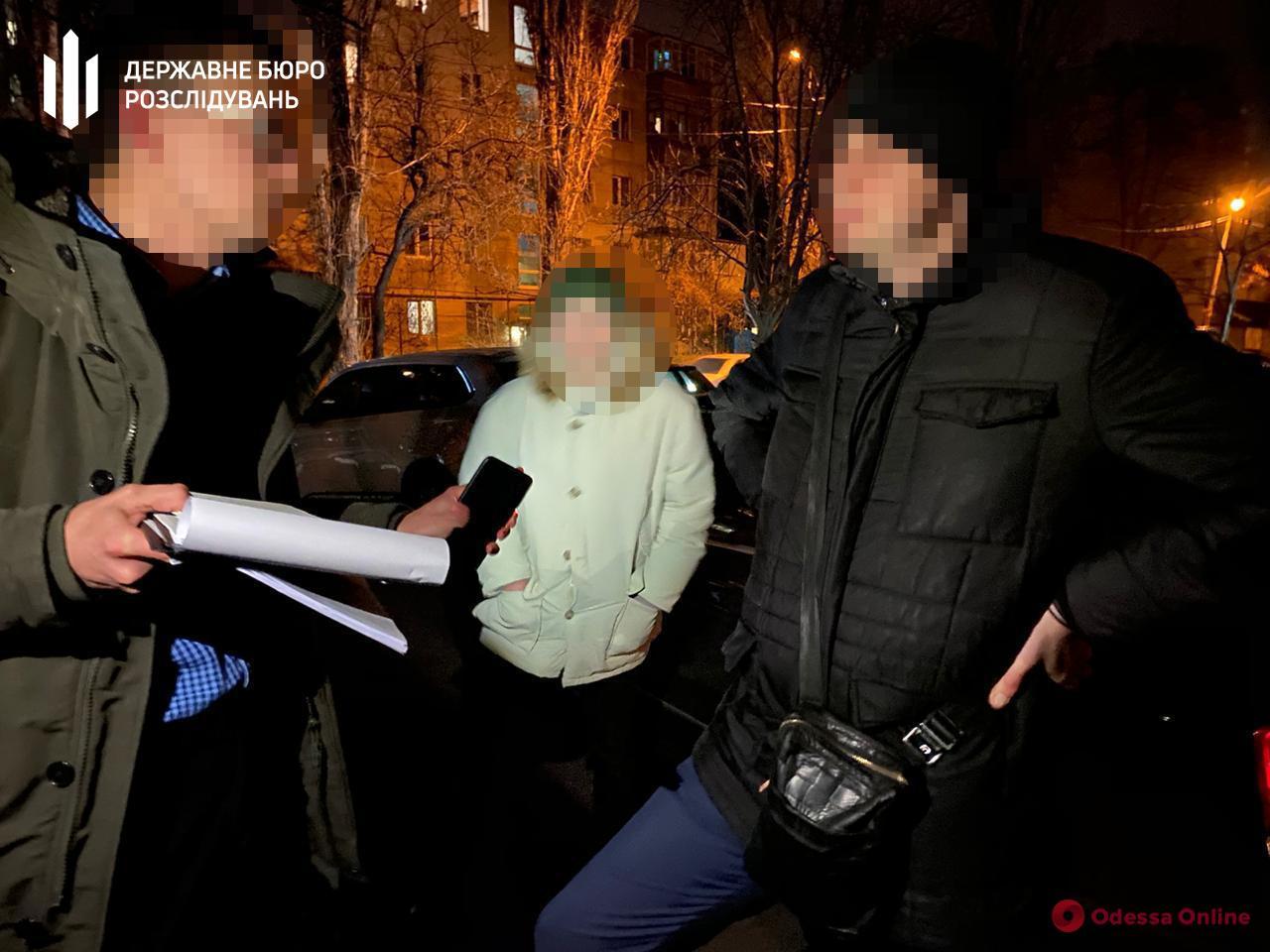 Одесского прокурора поймали на взятке в 25 тысяч долларов