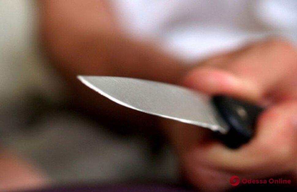 Порезал лицо и шею: в Одессе кавказский разбойник напал на парня