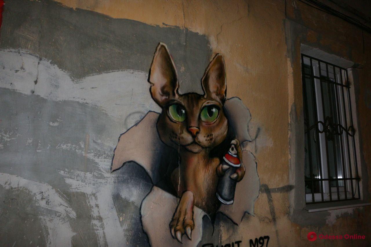 Художник из Мексики подарил одесситам рисунок на стене двухэтажки (фото)
