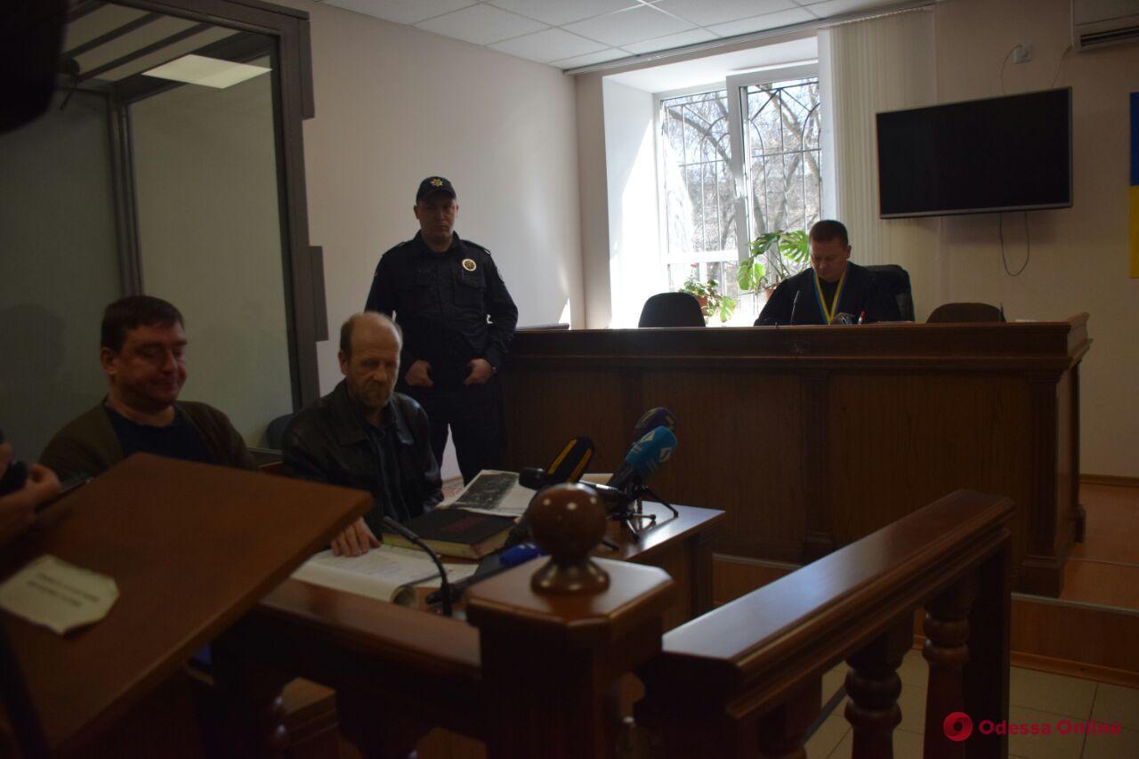Одессит обратился в суд, считая, что в Преображенском парке надругаются над могилой его деда