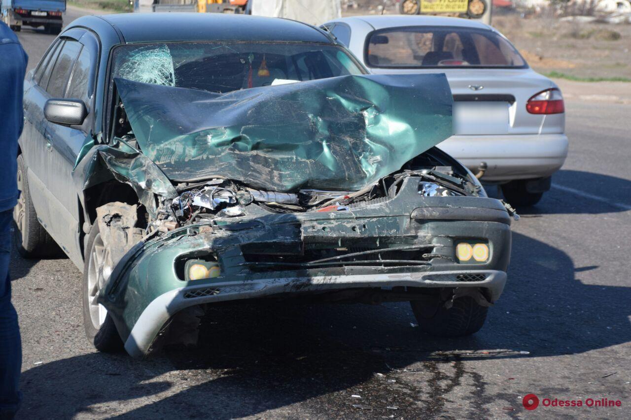 На Объездной дороге столкнулись Renault и Mazda – есть пострадавший