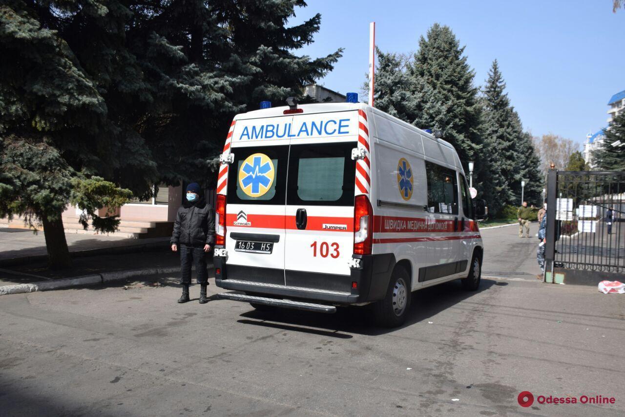 В Одессу прибыл борт с ранеными бойцами (фото)