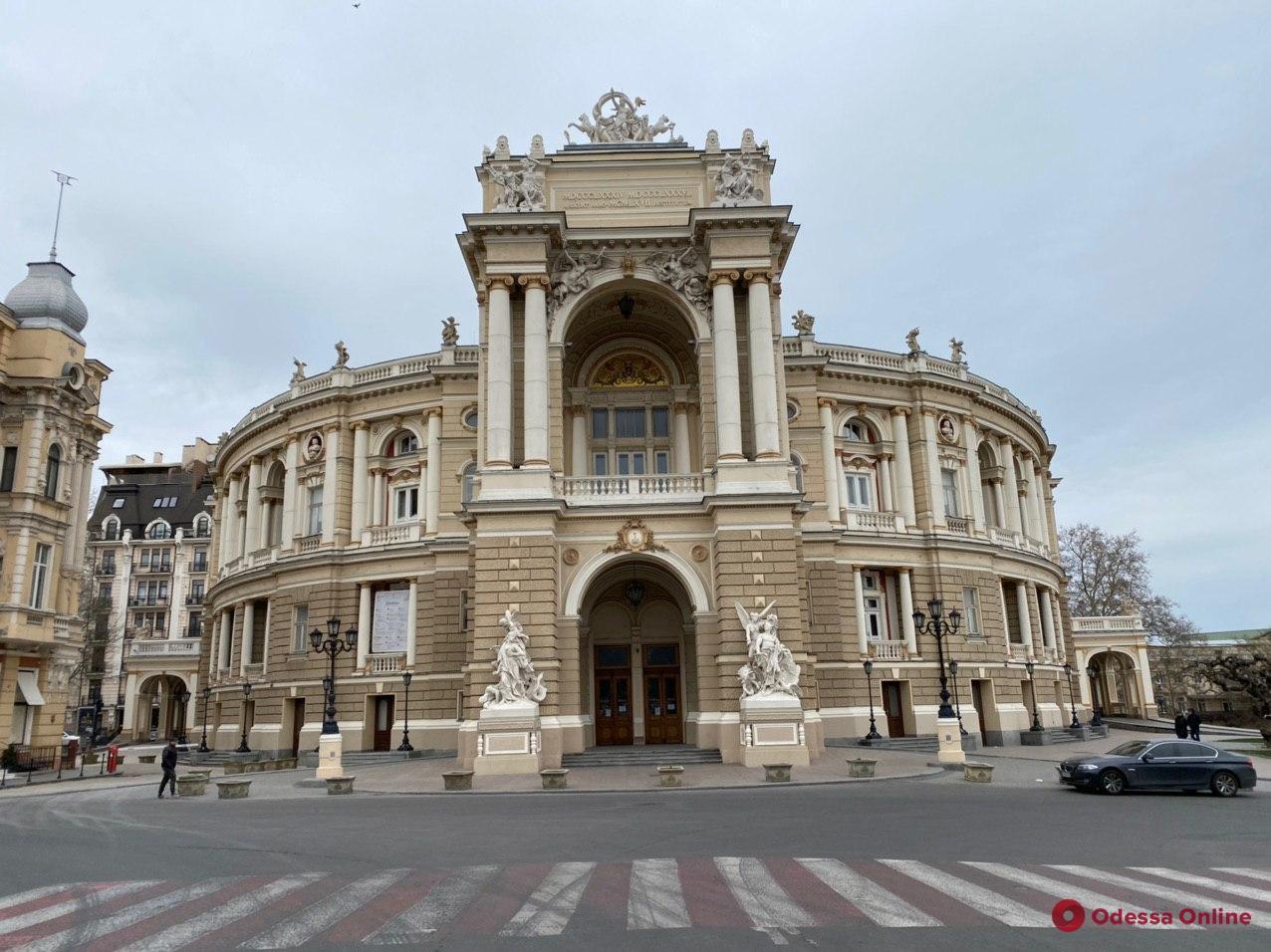 «Будем принимать меры»: Тарас Креминь упрекнул Одесский оперный театр в невыполнении языкового законодательства