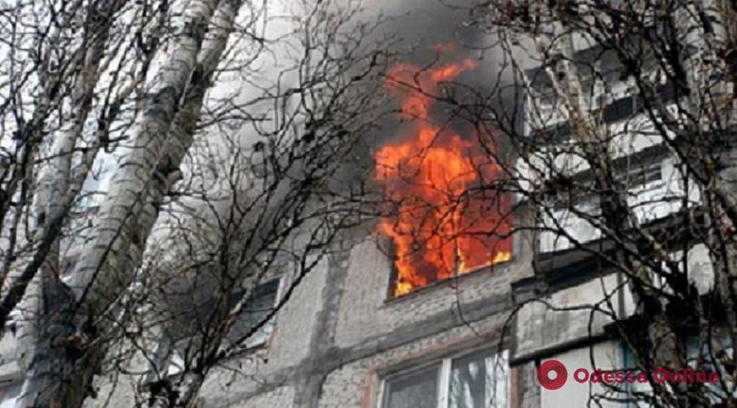 В пятиэтажке на Черемушках тушили пожар — есть пострадавший