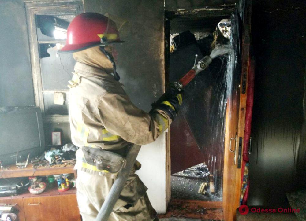 В Одесской области тушили пожар в дачном поселке