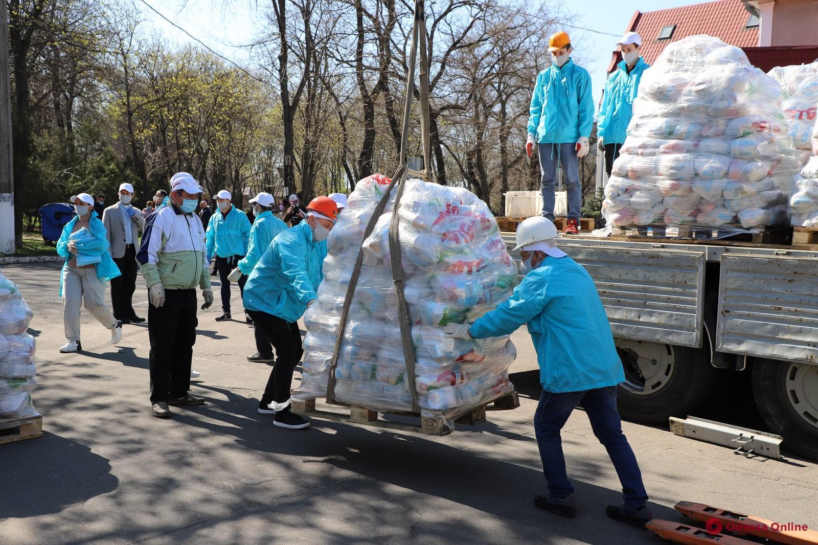 В Одессе продуктовые наборы получили свыше тысячи многодетных семей
