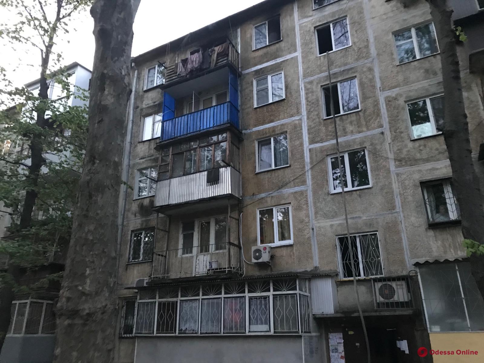 В пятиэтажке на Черемушках во время пожара погиб мужчина