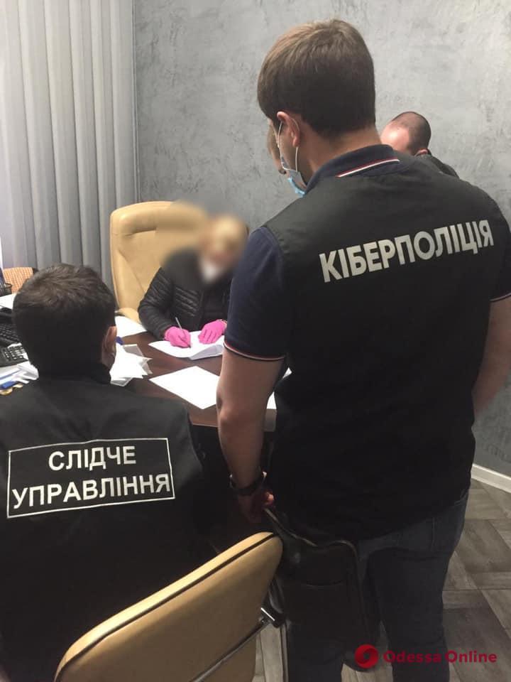 В Одессе задержали «черных» регистраторов