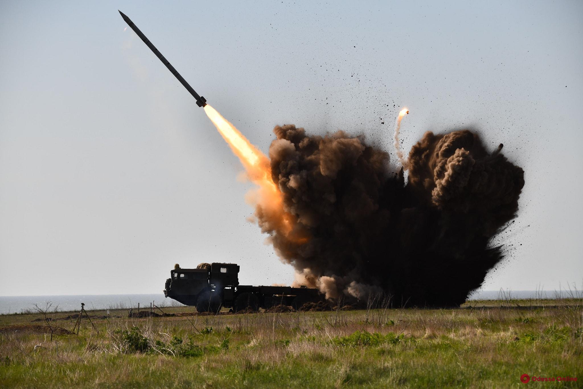 На юге Одесской области продолжаются испытания новой ракеты (фото, видео)