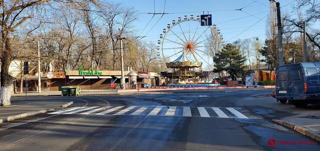 На 5-й Фонтана и Лидерсовском бульваре обновили разметку (фото)