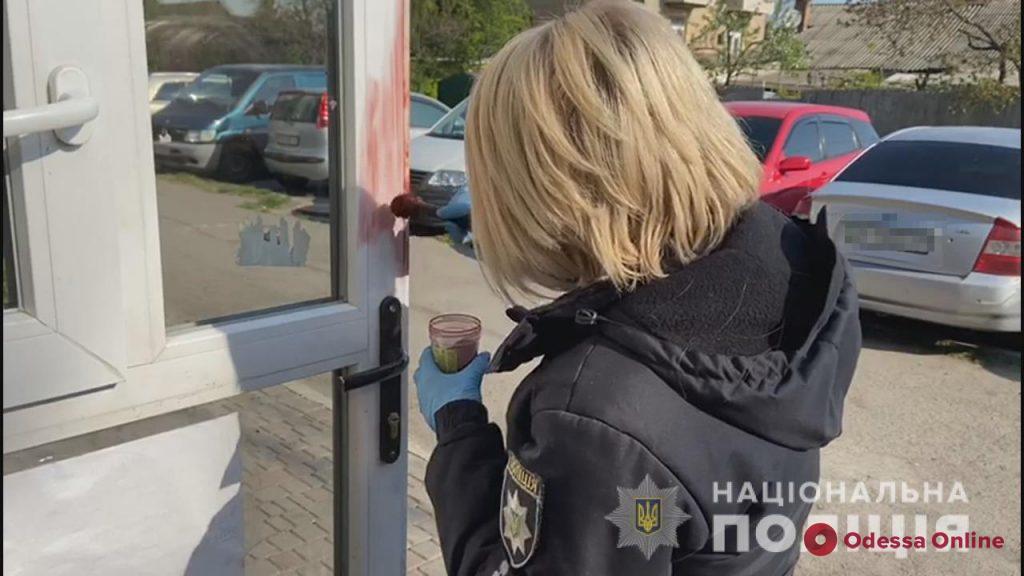 В одесском магазине иностранец с ножом набросился на продавщицу