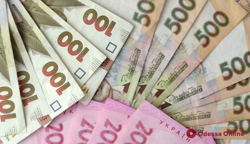 Украинские меценаты собрали 5 миллионов на лечение больных коронавирусом медиков