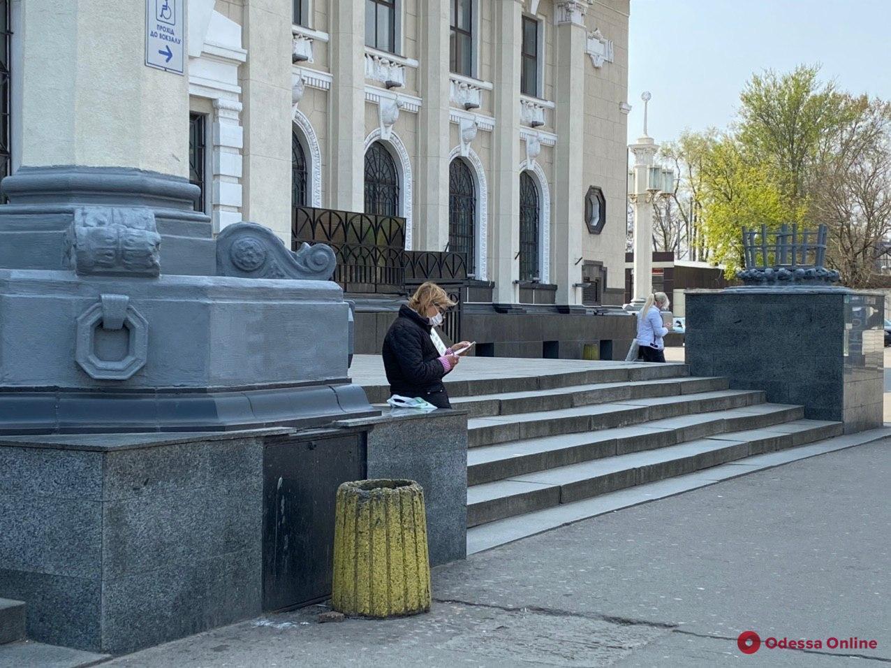 Одесса. Карантин. Неделя четвертая (фоторепортаж)