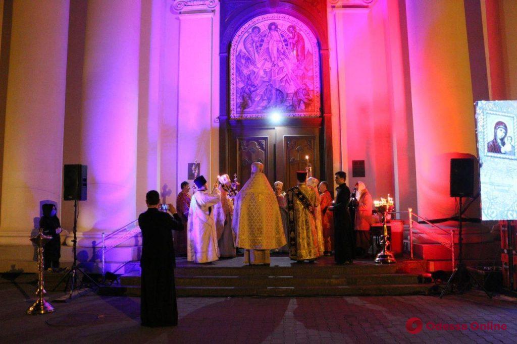 Пасхальная ночь в Одессе (фоторепортаж)