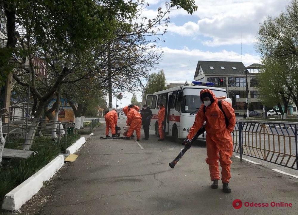 Спасатели дезинфицируют улицы Подольска