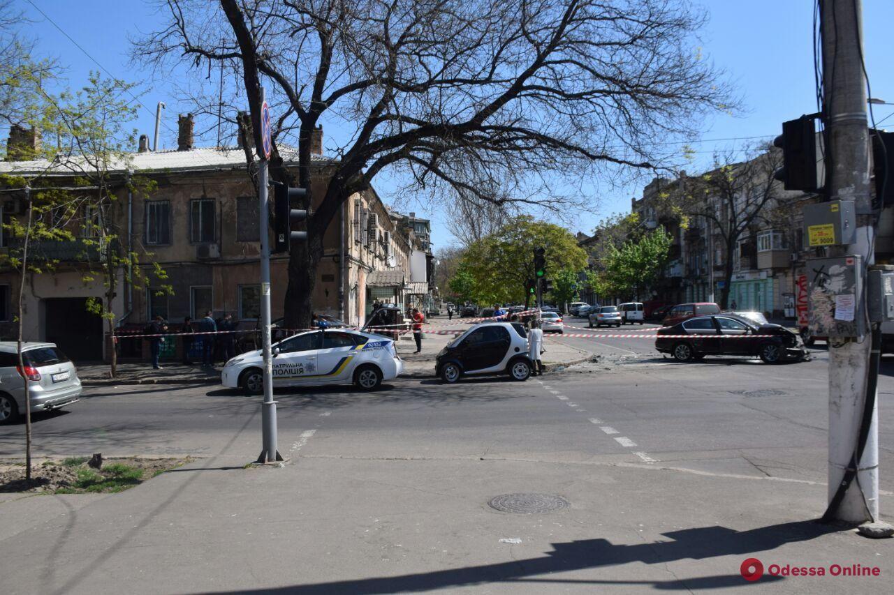 На Малой Арнаутской столкнулись Nissan и Volkswagen (фото)