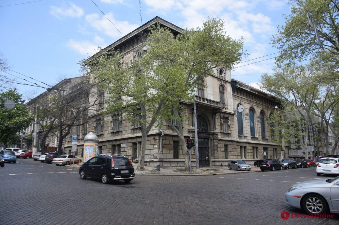 «Одесса в онлайне» для тех, кто дома: прогулка по Пушкинской