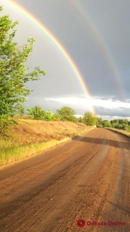 В Одессе наблюдали уникальную двойную радугу (видео и фото)