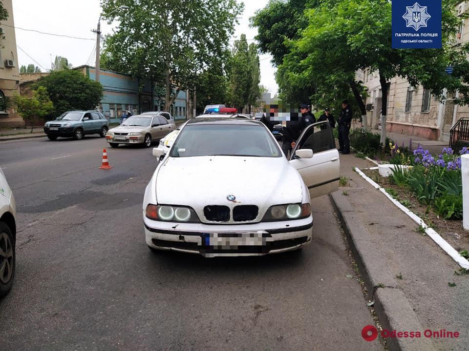 На Пересыпи патрульные ловили угонщика BMW