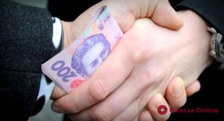 Супружеская пара под видом покупки и поставки авто «развела» одесситов на 500 тысяч