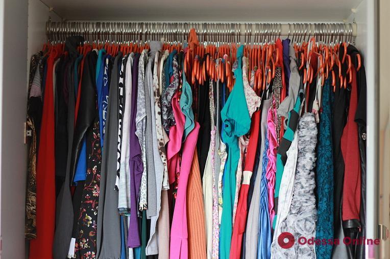На «Привозе» одессит под покровом ночи украл женскую одежду на десятки тысяч гривен