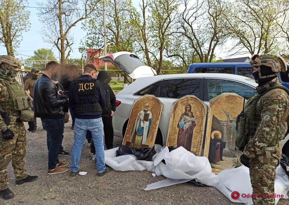 Воровали иконы из церквей в Одесской и других областях: правоохранители задержали межрегиональную банду