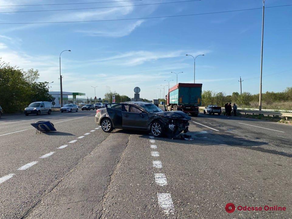 В ДТП под Одессой пострадали две женщины (фото)