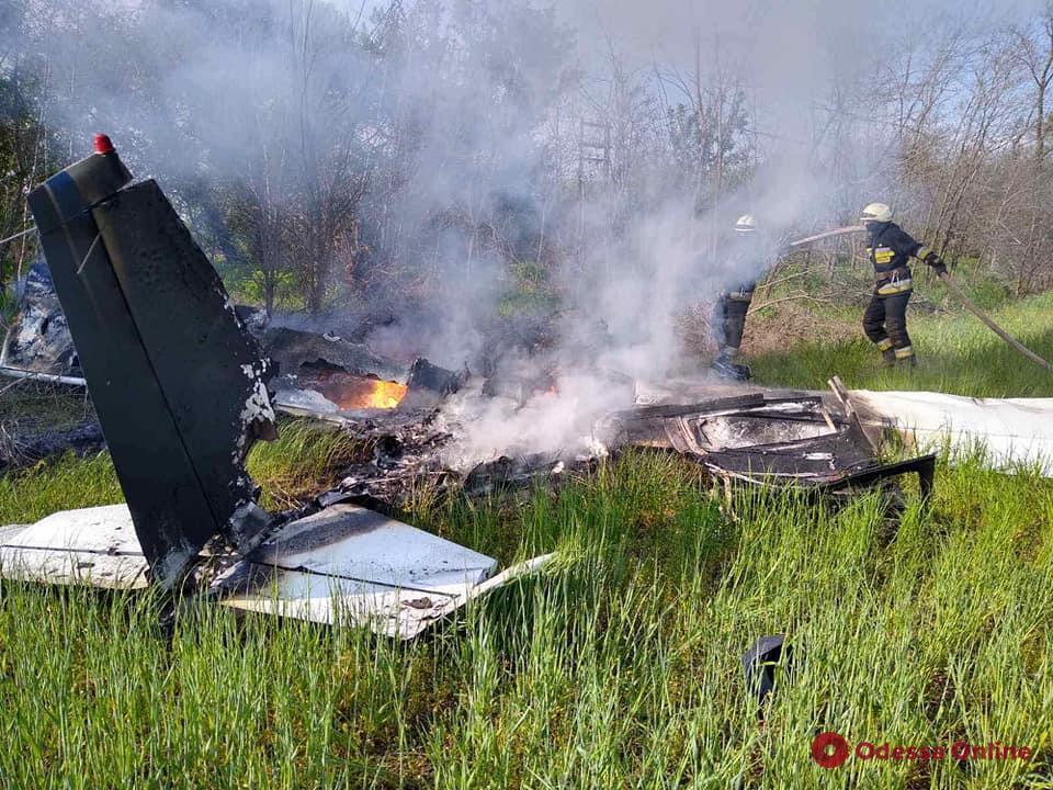 В Днепропетровской области два человека погибли при падении самолета