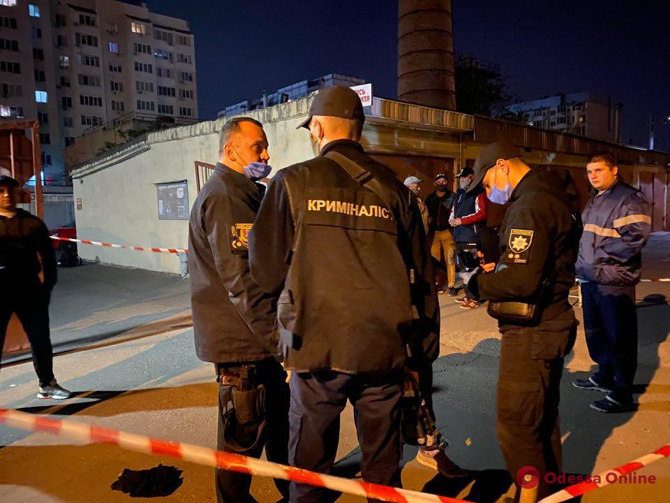 Убийство в гаражном кооперативе: полиция задержала подозреваемого (обновлено)