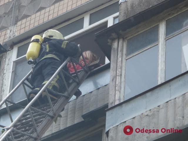 В многоэтажке на поселке Котовского тушили пожар