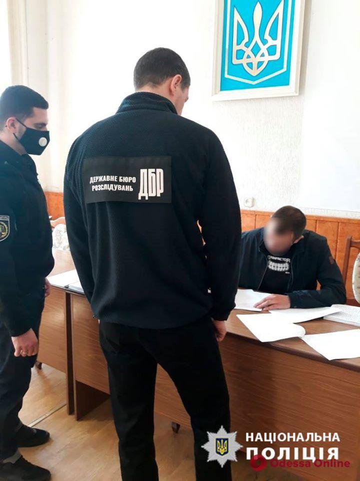 Одесскому полицейскому сообщили о подозрении в превышении полномочий в отношении несовершеннолетних
