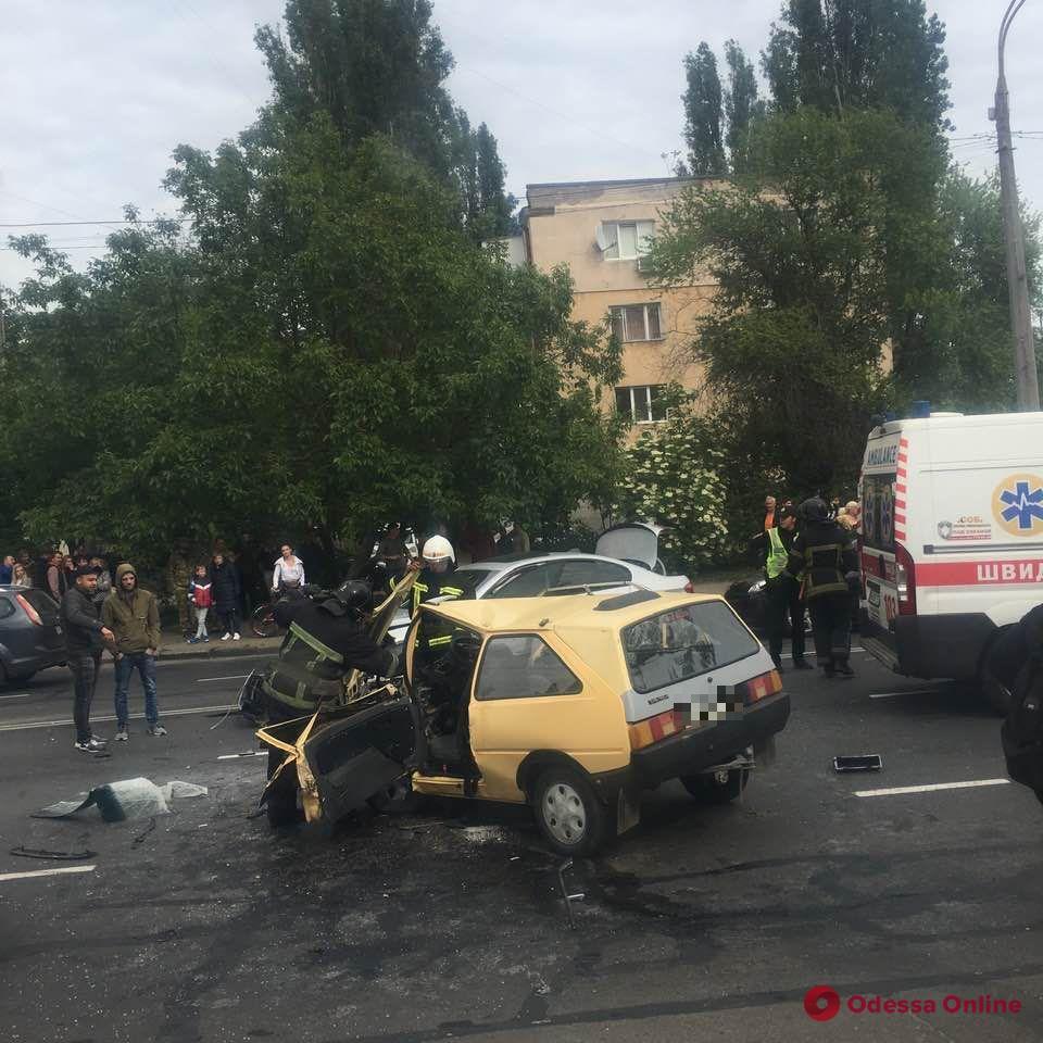 В ДТП на Люстдорфской дороге пострадали два человека (обновлено)