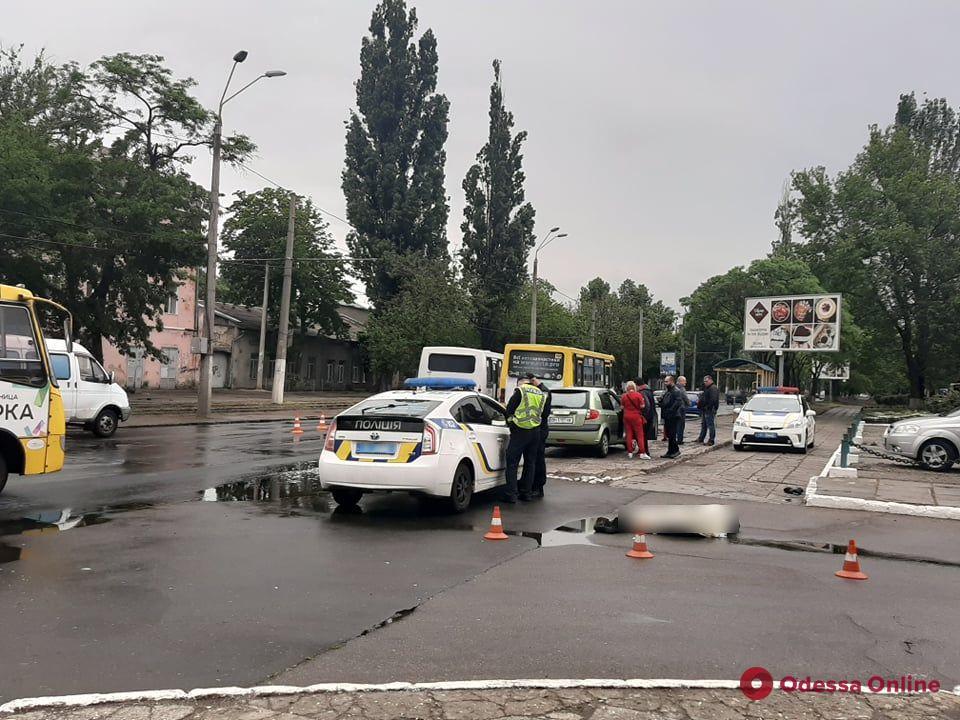 На Черноморского Казачества маршрутка насмерть сбила мужчину
