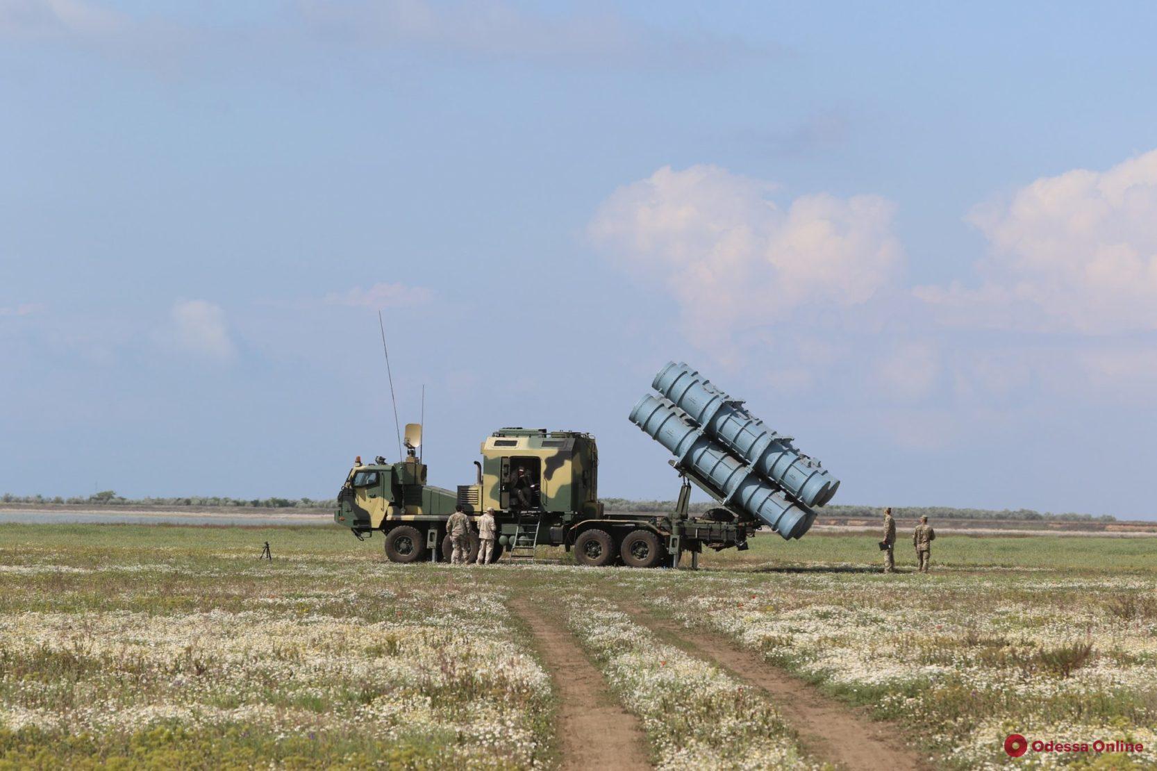 В Одесской области проходят испытания ракетного комплекса (фото, видео)