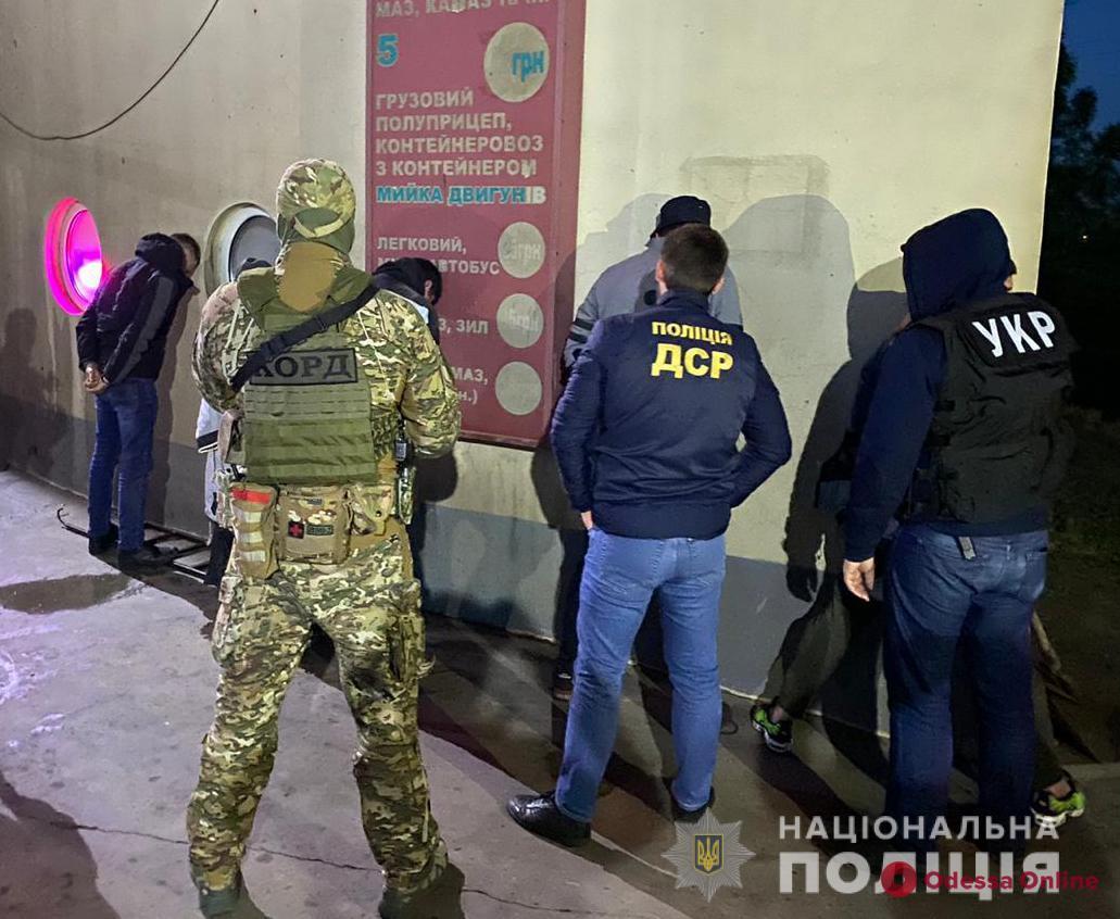 В Одессе полиция задержала группу иностранных киллеров (фото)